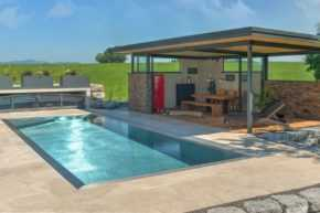 Edelstahl Pool und Poolhaus