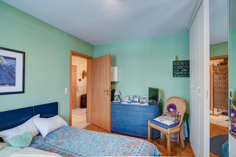 schlafzimmer mit blick richtung gang fotograf alex stadler fotostudio in oberndorf bei salzburg. Black Bedroom Furniture Sets. Home Design Ideas