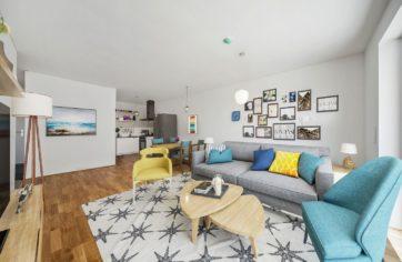 Wohnzimmer mit Küche, digital möbliert