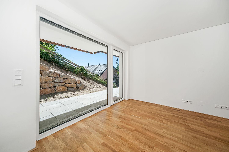 vorher nachher ansichten von immobilien fotografien und compositings. Black Bedroom Furniture Sets. Home Design Ideas