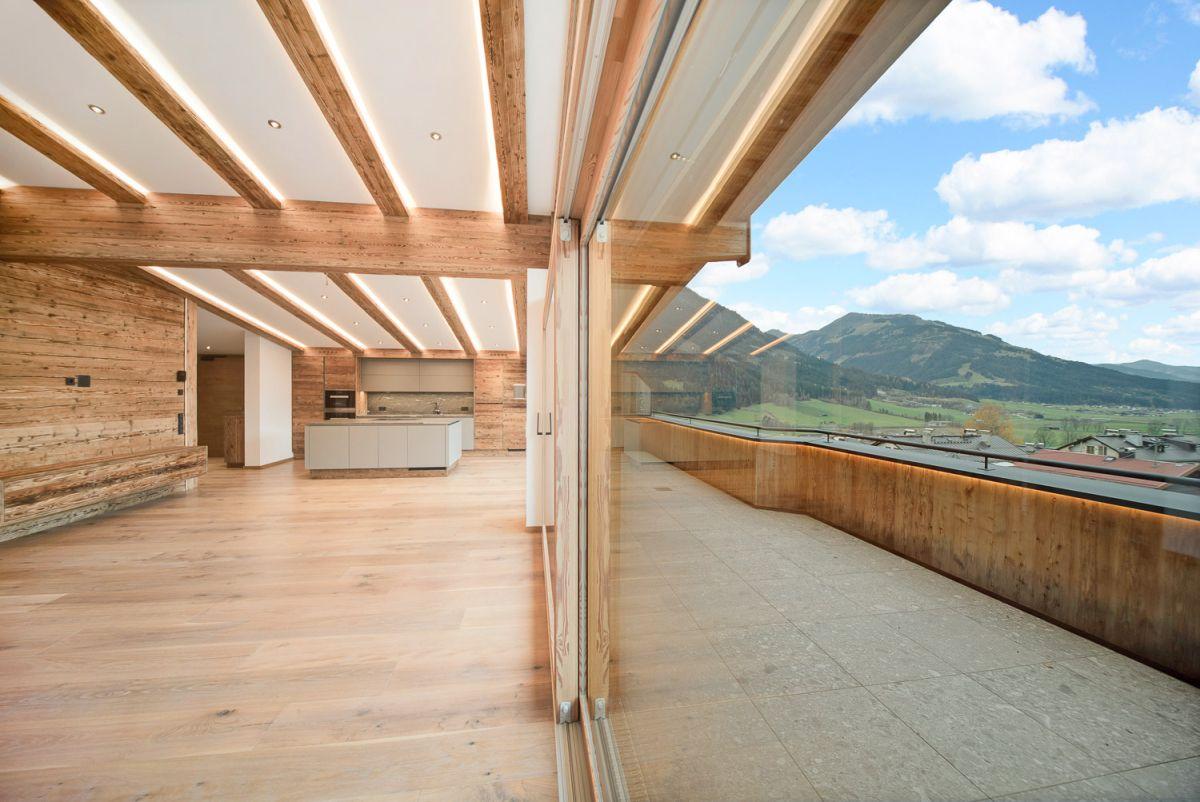 Wohn- & Esszimmer, sowie Balkon